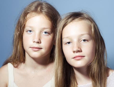 Кто написал текст для 11-летних двойняшек в защиту Pussy Riot?