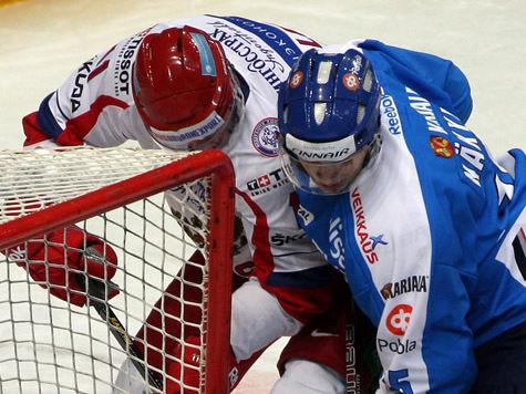 Зачем хоккеист избил писателя?