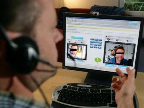 Педофил растлевал детей через Skype