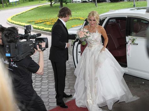 Невеста Лера Кудрявцева довела гостей до слез