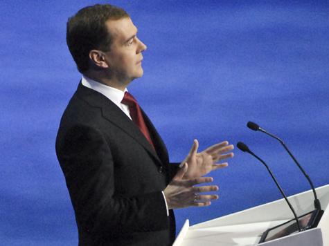Медведев напоследок совершил перестановки в армии