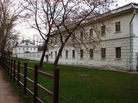 Не заблудиться в Кузьминском лесопарке москвичам и гостям столицы помогут... туалеты