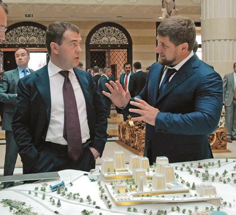 Медведев подарит Кавказу жилье иработу