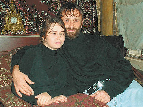 Боголюбский монастырь обезглавлен,