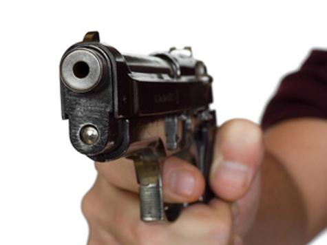 Разбойное нападение на вице-президента Юниаструмбанка Александра Бречалова было совершено на Никольской улице