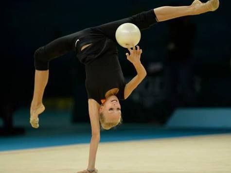 Во время награждения украинской чемпионки мира включили российский гимн