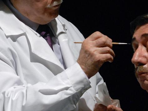 Лица актеров доверят иностранным гримерам