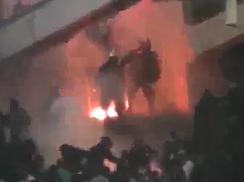 Футбол в Греции прервали из-за беспорядков. ВИДЕО