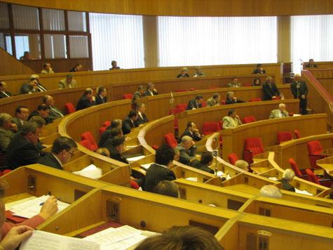 Российская дума заставила молдавский парламент принять закон о защите СМИ