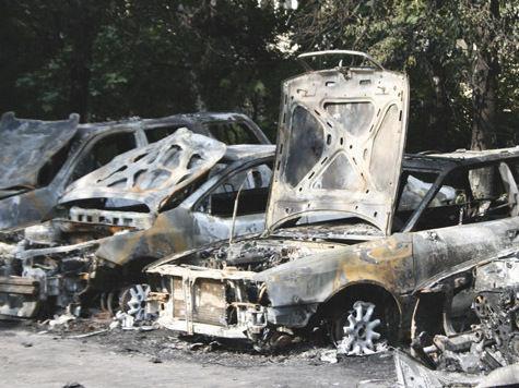 В Юбилейном сгорело 10 автомобилей