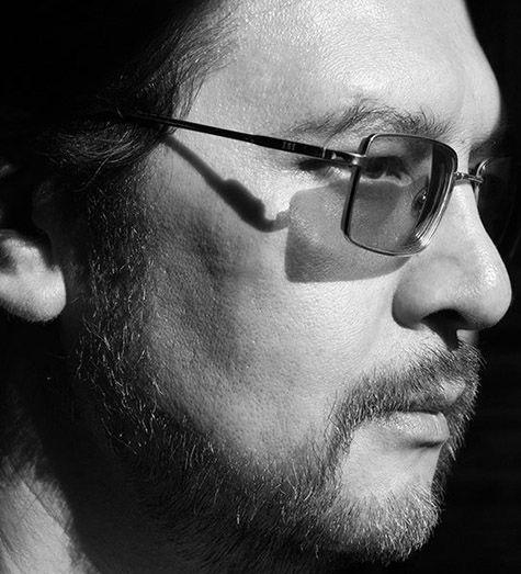 Поэт Андрей Ширяев покончил с собой, сообщив о своем намерении в Фейсбуке
