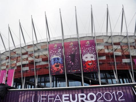 Хозяева турнира не смогли одолеть экс-чемпионов Европы