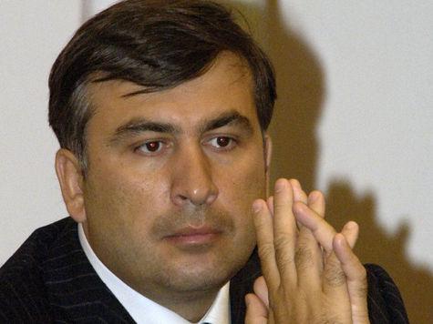 Грузино-российское рукопожатие в Давосе разозлило Саакашвили
