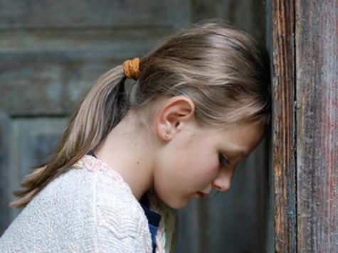 Опрос ВЦИОМ: методы воспитания не меняются со временем