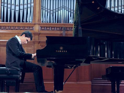 """Фаворит конкурса им. Чайковского Эдуард Кунц: """"Играя композитора, я проживаю свою жизнь, а не его"""""""
