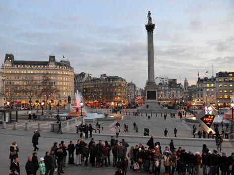 Дождь в Лондоне не помешал русской Масленице