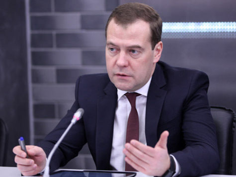 Медведев спасает металлургов от коллекторов?