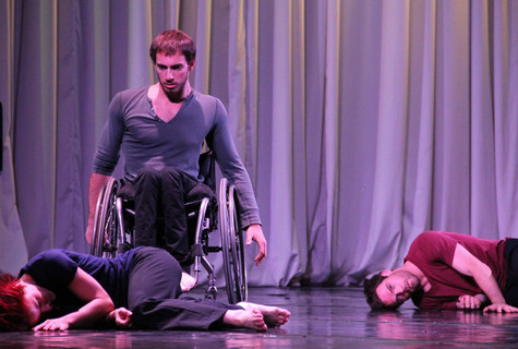Говорят, что в танце нет ни одного лишнего движения. Почти целую неделю это пытались доказать участники  международного фестиваля «Искусство Движения и Танца на Волге».