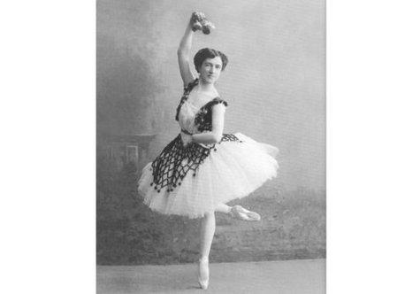 Решение о месте похорон великой балерины приняли в последний момент