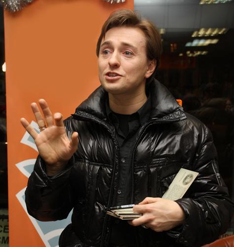 Безруков принялся ворошить давние сплетни о себе