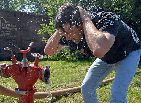"""""""МК"""" советует, как правильно спасаться в жаркую погоду"""
