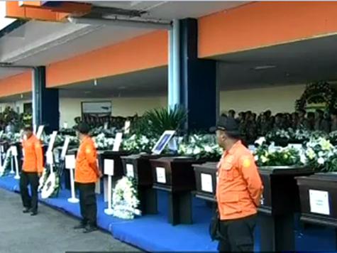 Чиновники проигнорировали похороны пилотов «Суперджета»