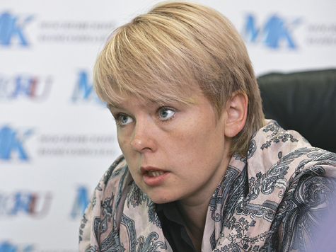 Евгения Чирикова призналась, что, хотя не имеет властных амбиций, идет в мэры, потому что страшно за детей