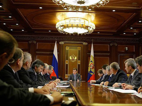 Медведев разъяснил лесникам их обязанности
