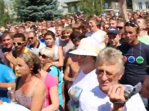 Жители Пугачева вновь перекрыли трассу Саратов-Самара