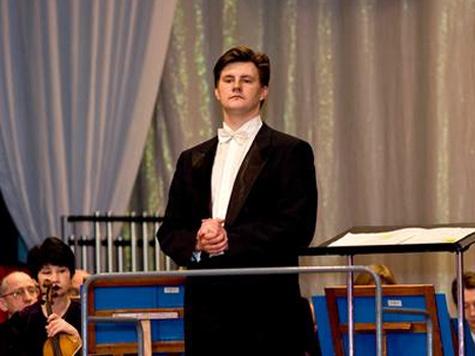 Дирижер Илья Дербилов: почему на Дальнем Востоке не стоит очередь в оркестры?