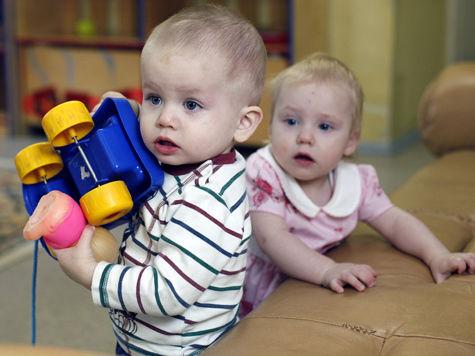 Социологи выяснили, почему запрет на усыновление сирот вызвал диссонанс в умах граждан