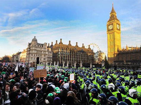 Британия ушла на стачку