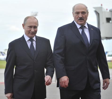 Лидеров России и Белоруссии заели комары, но это не омрачило их встречи