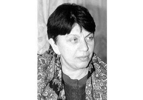 Она была сестрой писательницы, публициста и телеведущей Татьяны Толстой