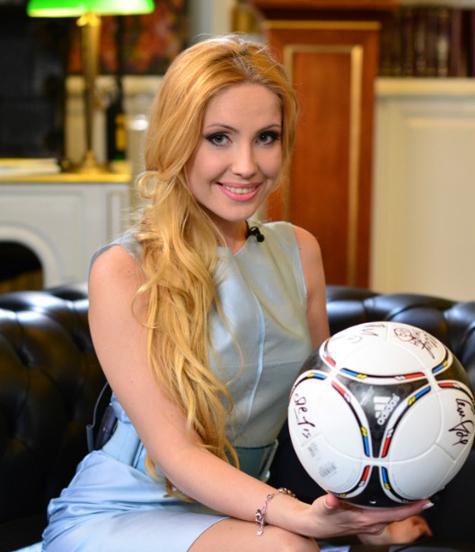 Катерина Кирильчева, ведущая телеканала «Россия 2», специально для«МК»
