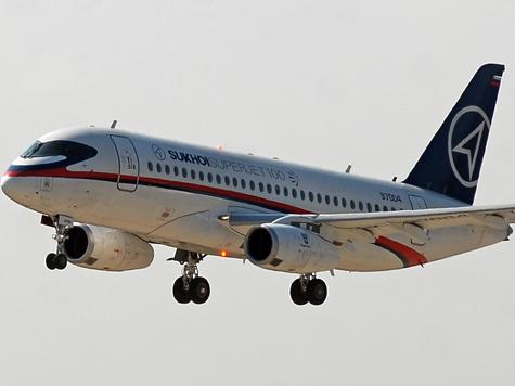 Нефтяник продолжил лететь даже после приземления самолета