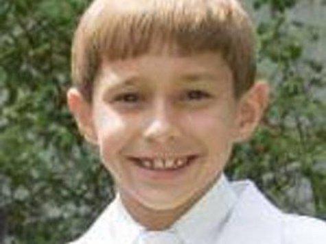 Приемный 8-летний мальчик стал жертвой подростка-хулигана