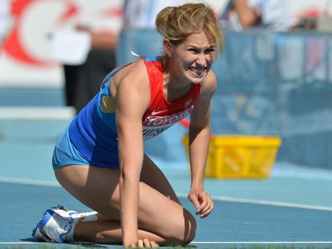 Россиянку Савицкую увезли с ЧМ по легкой атлетике на скорой помощи