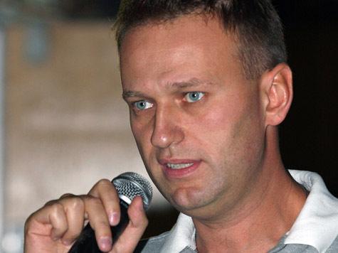 Для  снятии своей кандидатуры Навальный должен лично написать заявление