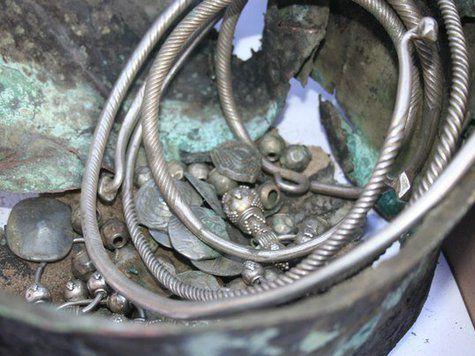 Под Тюменью найден старинный клад с арабскими монетами