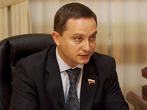 Избитый депутат Худяков нанял охранников для членов своей семьи