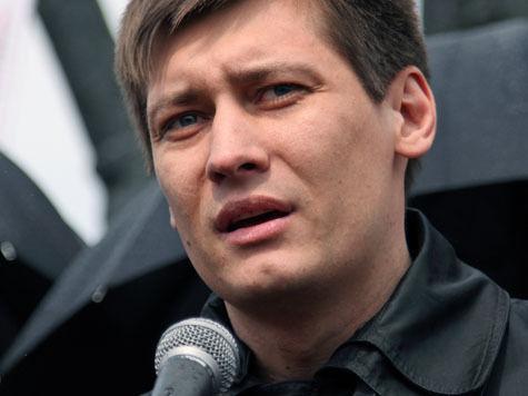 «Если меня лишат слова на месяц, говорить за меня будет Илья Пономарев»