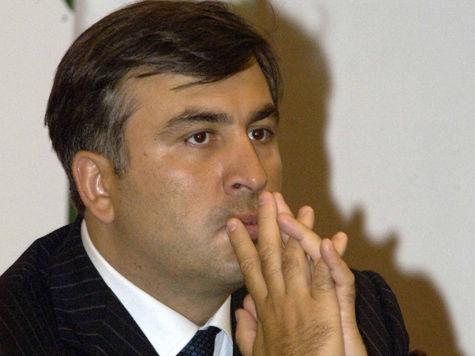 Эскорт Саакашвили закидали яйцами