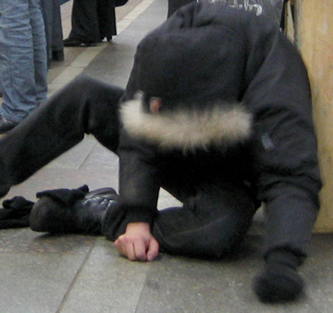 Нетрезвый правоохранитель устроил скандал в торговом центре «Экватор» в подмосковном Реутове