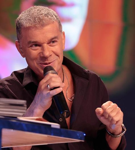 На творческом вечере знаменитый «есаул» прочел стихи собственного сочинения, пообщался со зрителями и представил новый альбом