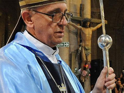 МК узнал подробности жизни пастыря римского папы