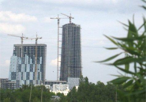 22 незаконных этажа будут снесены, хотя квартиры в доме уже проданы