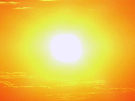 Солнце ударило по земле двойным залпом