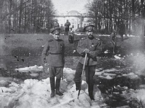 Меню Романовых не предвещало беды: «Консоме борщок. Судак разварной, соус голландский. Пудинг манный»
