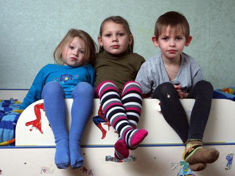 Алименты в России получает только каждый третий ребенок
